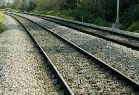 Δράμα: 59χρονος αφαιρούσε αμφιδέτες σιδηροδρομικών γραμμών