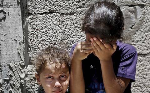 Ενα παιδί πεθαίνει στη Γάζα, κάθε ώρα που περνά