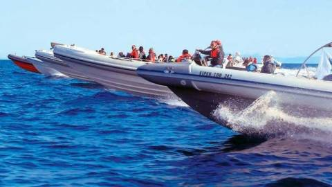 Κρήτη: Πάλεψαν με τρία μέτρα κύματα για να προσεγγίσουν το Cape Ray