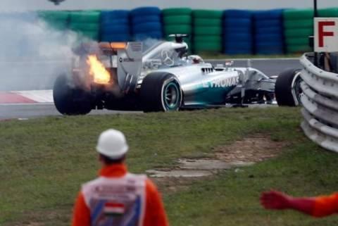 Formula 1: Πήρε… φωτιά ο Χάμιλτον! (video)