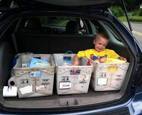 Μελλοθάνατο παιδί ζήτησε για τα γενέθλιά του μόνο κάρτες! (pics+video)