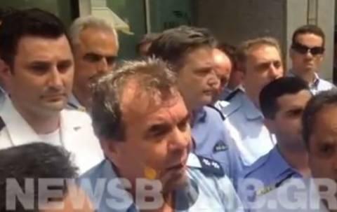 Φωτόπουλος: Ο υπουργός παρανομεί–Δεν ντρέπονται να μας υποδέχονται έτσι;