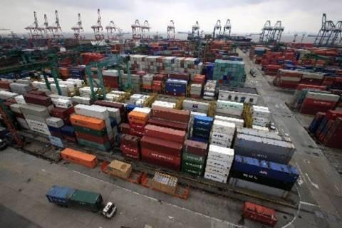 Περιορίστηκαν οι πιέσεις στις εξαγωγές το πεντάμηνο του 2014