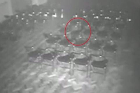 Βρετανία: Εμφανίστηκε φάντασμα σε στοιχειωμένο θέατρο! (video+photos)