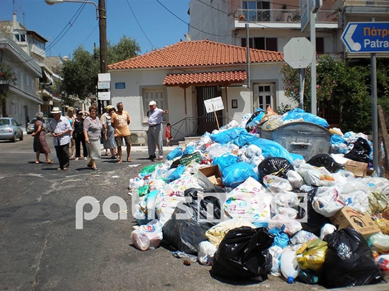 Πύργος: Αγανάκτησαν με τα σκουπίδια - «Δεν μπορούμε να ανασάνουμε»