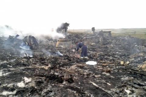 Μαλαισία αεροπλάνο: Οι αυτονομιστές κατηγορούν και απειλούν τον ΟΑΣΕ