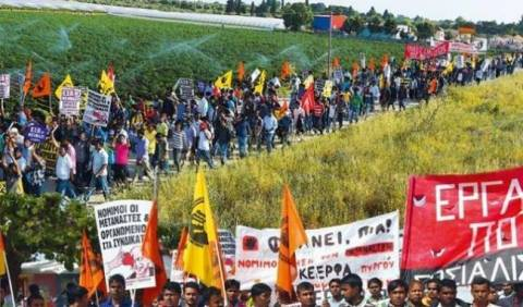 Eπικριτικά σχόλια για την αθώωση εργοδότη θυμάτων στη Μανωλάδα