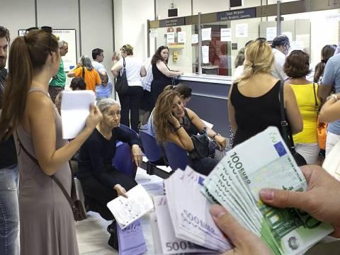 Φορολογικός Γολγοθάς για εκατομμύρια Έλληνες μέχρι το Δεκέμβρη