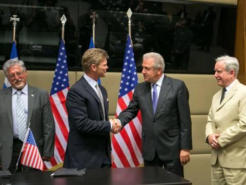 Έπεσαν οι υπογραφές για τη συμφωνία συνεργασίας ΕΑΣ-ΑΤΚ (pics)