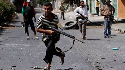 Ε.Ε.: Απέσυρε το προσωπικό της από την Τρίπολη της Λιβύης