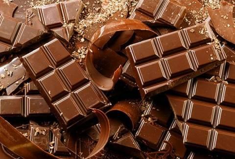 Αφρικανός παραγωγός κακάο δοκιμάζει για πρώτη φορά στην ζωή του σοκολάτα (vid)