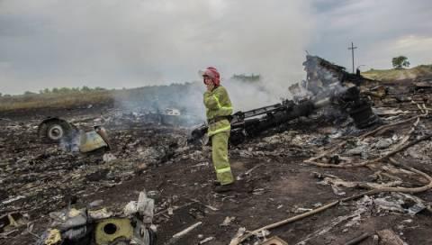 Ουκρανία: Αρχίζουν οι εργασίες περισυλλογής στο σημείο της συντριβής του Boeing 777