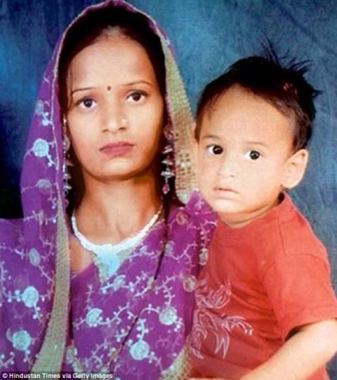 Φρικτός θάνατος: Τρίχρονος έπεσε σε βραστό σιρόπι! (pics)