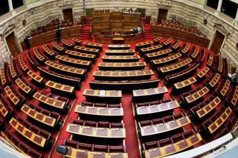 Σφοδρή κόντρα στη Βουλή για τη χρεοκοπία της Αργεντινής