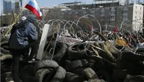 Μόσχα: Η Ε.Ε. ήρε «μυστικά» τους περιορισμούς στις εξαγωγές στρατιωτικού εξοπλισμού