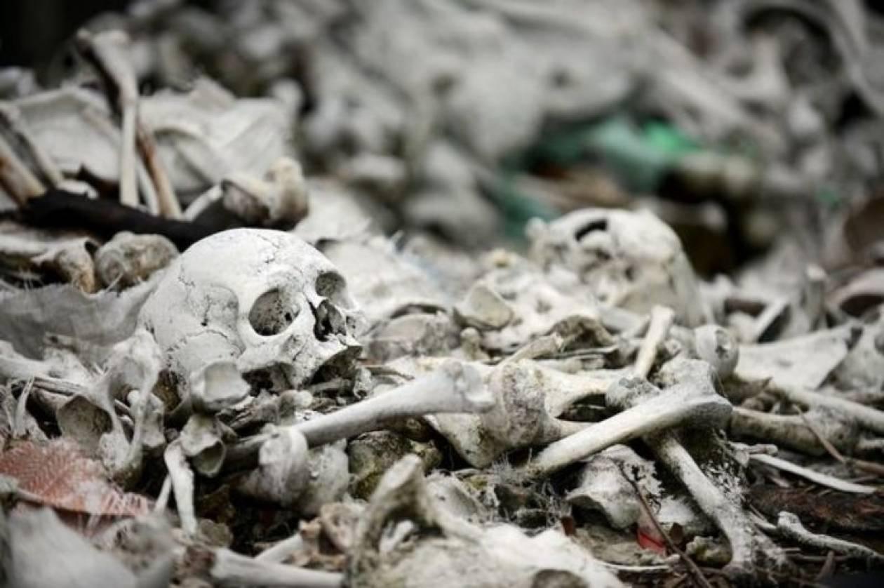 Σουηδία: Ανακάλυψε 80 σκελετούς σε τσάντες πολυκαταστήματος! (photo)