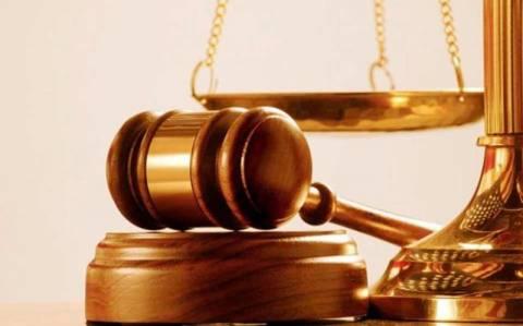 ΣτΕ: Οριστική απόλυση δικαστικού που παρενοχλούσε σεξουαλικά τον γιο του