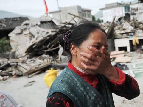 Φονικός σεισμός στην Κίνα-Εκατόμβη νεκρών (vid)