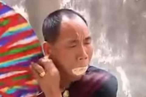 Κίνα: Πετάει φωτιές με τη δύναμη του μυαλού και… πριονίδια! (video)