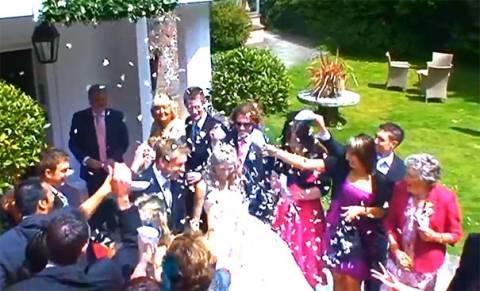 Γιαγιά έκανε απίθανη γκάφα κατά τη διάρκεια ενός γάμου (Video)