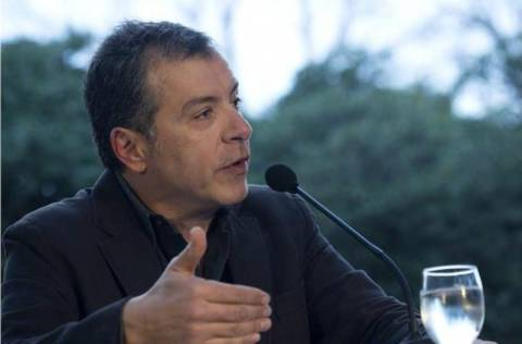 Στ. Θεοδωράκης: Η Ελλάδα δεν θα σωθεί εάν δεν στηριχθεί στις δικές της δυνάμεις