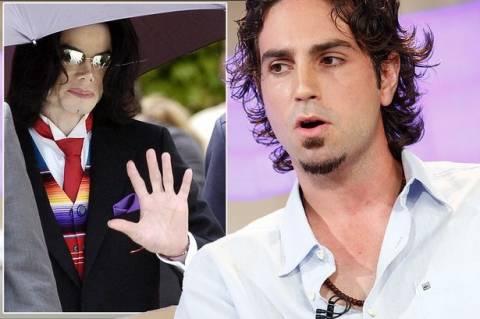Ισχυρίζεται ότι βιάστηκε από τον Michael Jackson και ζητά... αποζημίωση!(pics+video)