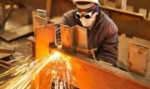 Μικρή αύξηση της βιομηχανικής παραγωγής στη Βρετανία