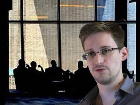 Ρωσία: Τριετής άδεια παραμονής στον Σνόουντεν