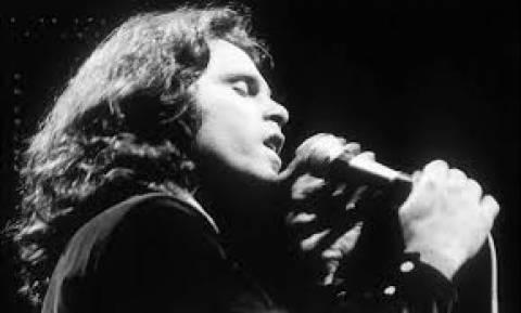 Διάσημη τραγουδίστρια: «Ο φίλος μου σκότωσε τον Jim Morrison! » (pics)