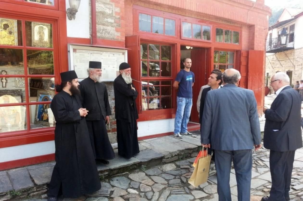 Στο Άγιο Όρος ο Τσίπρας – Τι είπε με τους αγιορείτες πατέρες
