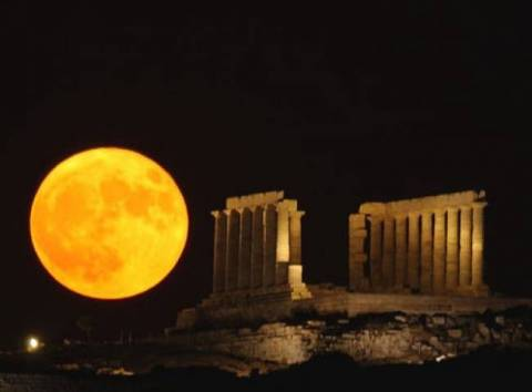 August full moon: sites around Attica to stay open