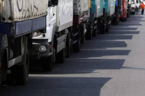 Russian food import ban: First truckloads with fruits return to Greece