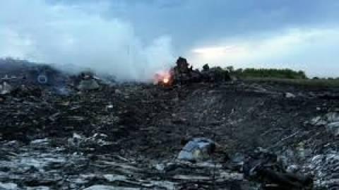 Boeing 777: Αναγνωρίστηκαν 65 από τα θύματα της συντριβής στην Ουκρανία