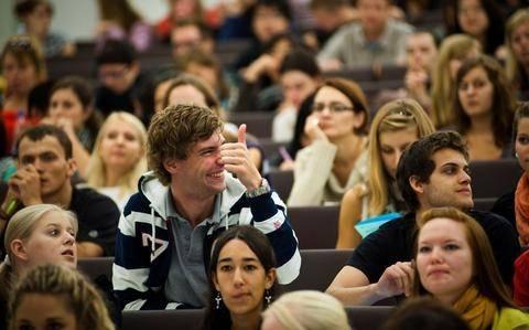 Υπ. Παιδείας: Θα εφαρμοστεί ο νόμος για διαγραφή των «αιώνιων φοιτητών»
