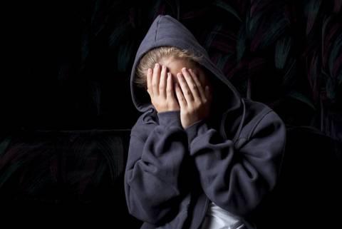 Αδιανόητο: Αφήνουν μαζικά ελεύθερους βιαστές παιδιών επειδή…