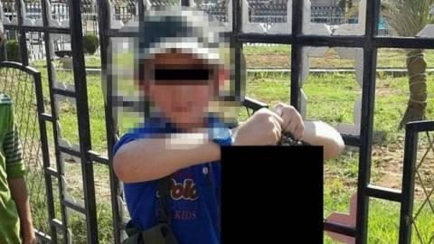 Φωτογραφία με 7χρονο προκαλεί παγκόσμιο σοκ!