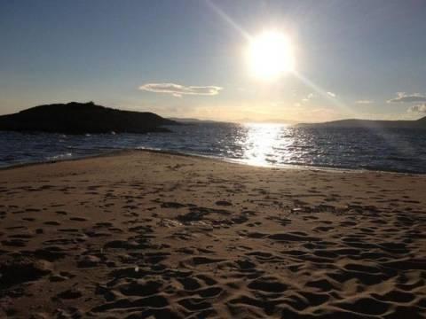 Η «μυστική» παραλία - παράδεισος της Αττικής που ελάχιστοι γνωρίζουν (pics)