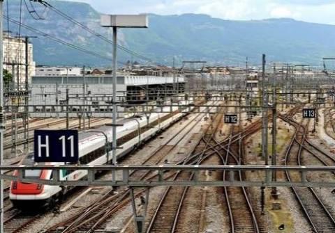 Ελβετία: Τρεις νεκροί σε σύγκρουση τρένου με λεωφορείο
