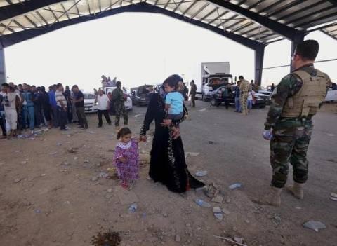 Βρετανία: Στέλνει στρατιωτικό υλικό στους Κούρδους του Ιράκ
