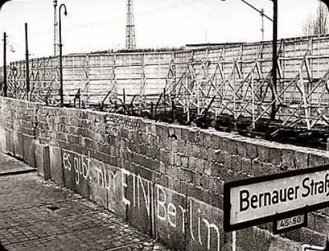 Το 19% των Γερμανών δεν γνωρίζουν την επέτειο ανέγερσης του Τείχους του Βερολίνου