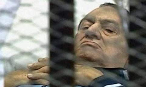 Αίγυπτος: Τέλη Σεπτέμβρη η απόφαση του δικαστηρίου για τον πρώην προέδρο Μουμπάρακ