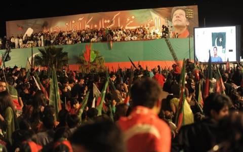 Πακιστάν: Συγκρούσεις μετά από πυροβολισμούς κατά ηγέτη της αντιπολίτευσης
