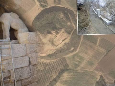 Κινητικότητα στην Αμφίπολη - Γιατί απομακρύνουν τις σφίγγες από τον τάφο