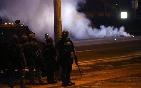 Φέργκιουσον: «Κατεβάζουν» την Εθνοφρουρά για να ελέγξει τις διαδηλώσεις
