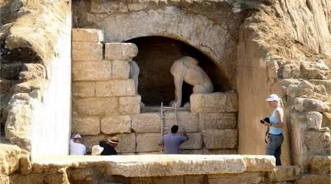 Αμφίπολη: Διαψεύδει το υπ. Πολιτισμού ότι μετακινούνται οι Σφίγγες