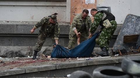 Ουκρανία: «Δεκάδες οι νεκροι της επίθεσης στην αυτοκινητοπομπή»