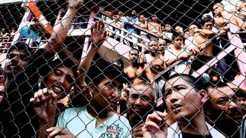 Αυστραλία: Η κυβέρνηση θα απομακρύνει από τα κέντρα κράτησης τα παιδιά των μεταναστών