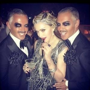 Όποιος μοιράζει μυαλό... ας δώσει λίγο στην Madonna γιατί η κατάστασή της είναι πια σοβαρή
