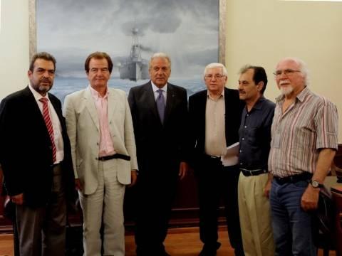 Συνάντηση Αβραμόπουλου με μέλη της πρωτοβουλίας «Έτος Κύπρου 2014»