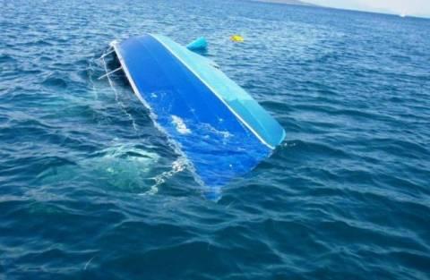 Ημιβύθιση τουριστικού σκάφους στο Τολό